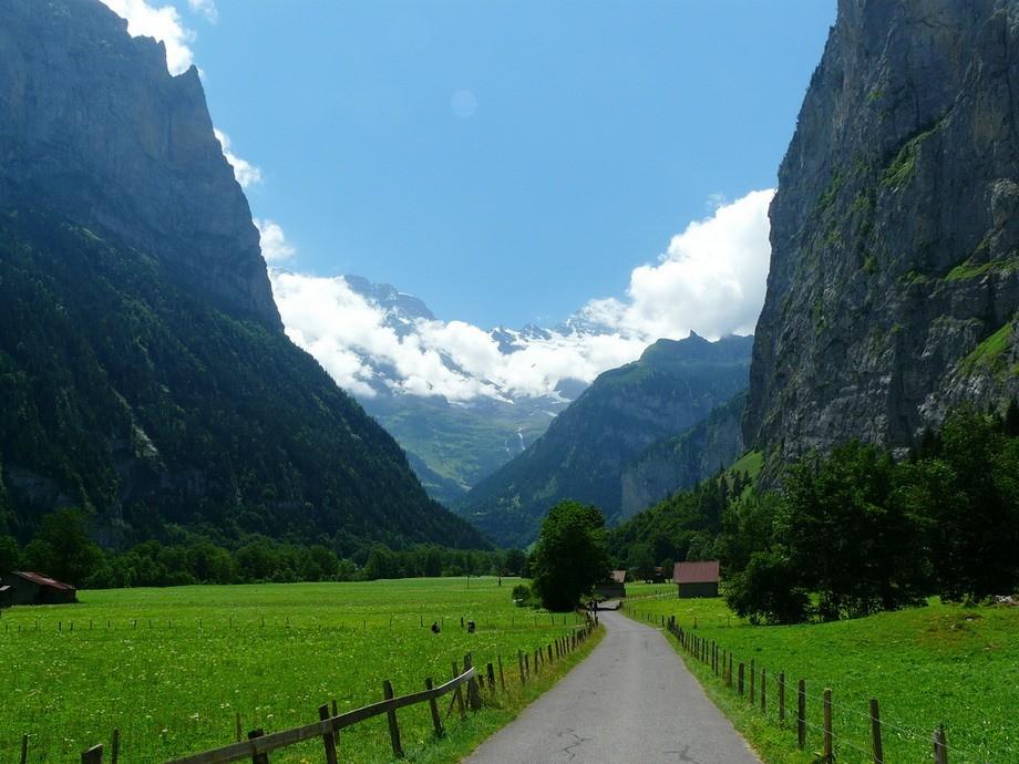 долина Лаутербруннен, Швейцария.